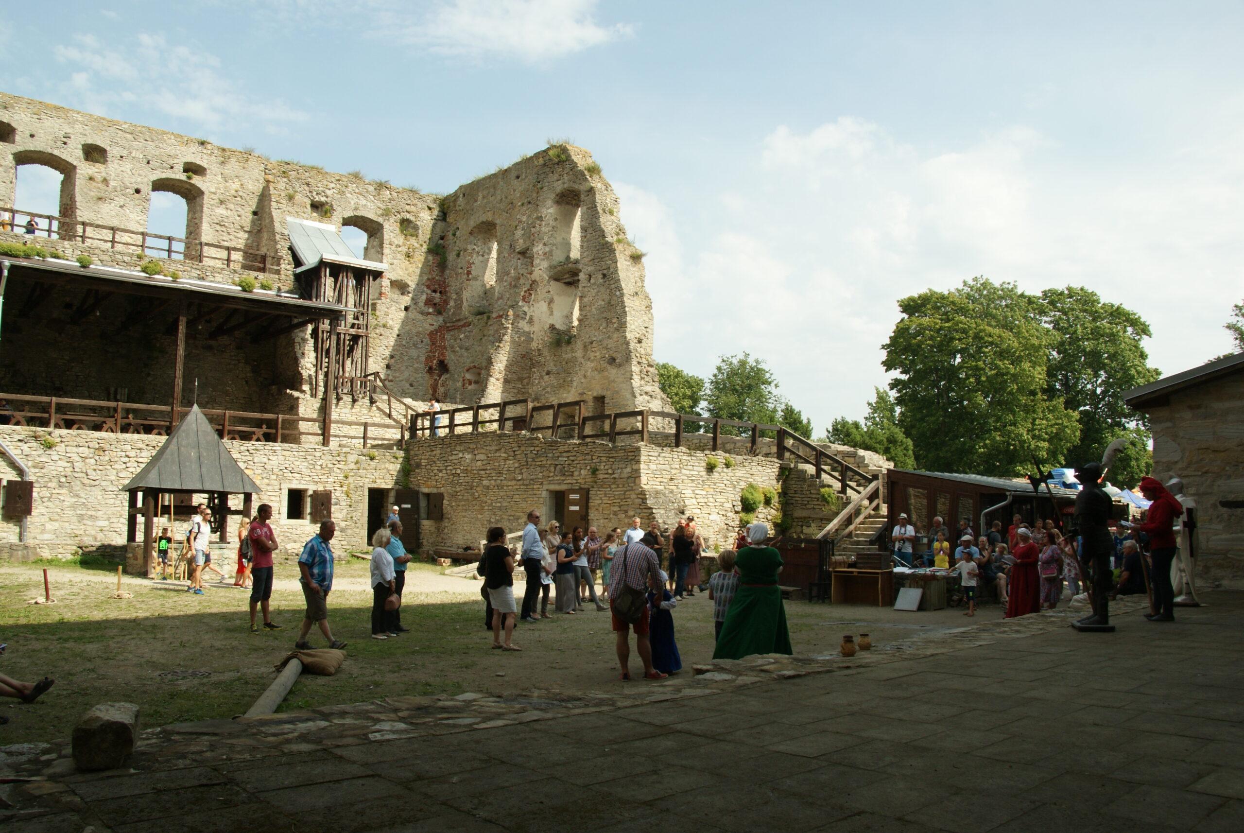 Haapsalu piiskopilinnuse muuseum on avatud 20. augustini